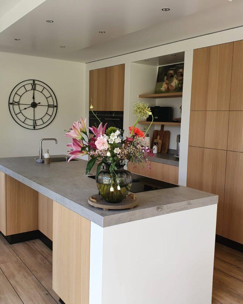 Keuken met natuurlijke tinten1